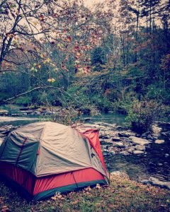 Jak się ubrać pod namiot?