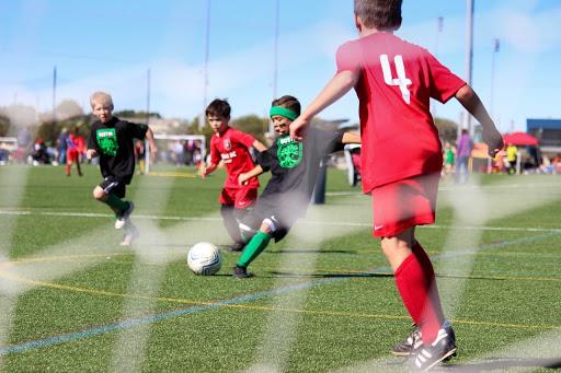 szkolne stroje piłkarskie dla dzieci